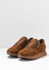 Kennel + Schmenger - RISE  - Trainers - tonka - 4
