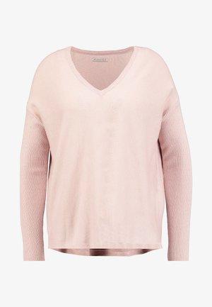 BASIC- SOFT OVERSIZED V-NECK - Strikkegenser - pink
