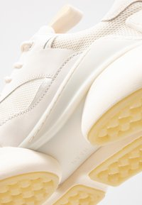 Cole Haan - ZEROGRAND CITY TRAINER - Baskets basses - white - 5