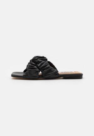 SQUISH - Mules - black