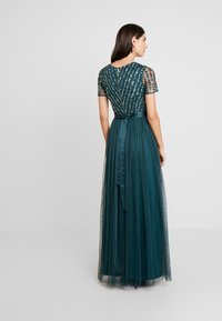 Maya Deluxe - STRIPE EMBELLISHED MAXI DRESS WITH BOW TIE - Ballkjole - emerald - 3