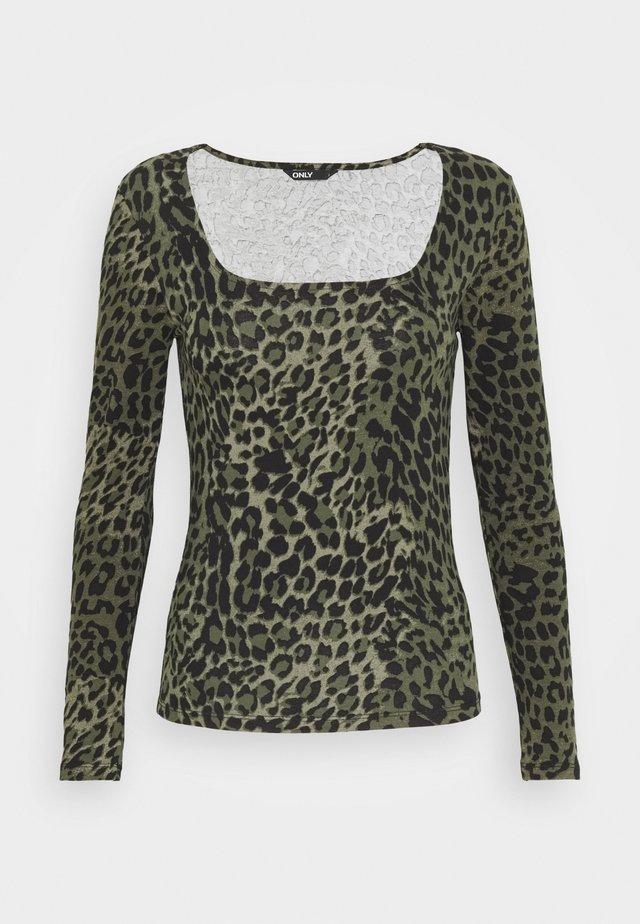 ONLBELLA SQUARE - T-shirt à manches longues - kalamata/green