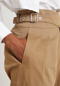 Diesel - CHIKU - Spodnie materiałowe - beige - 4