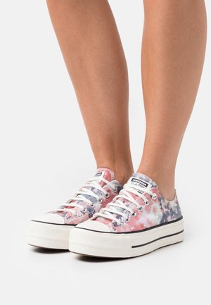 CHUCK TAYLOR ALL STAR PLATFORM - Baskets basses - egret/terracotta pink/black
