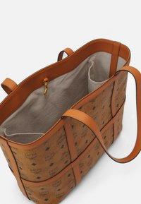 MCM - DELMY VISETOS SHOPPER MEDIUM - Tote bag - cognac - 4