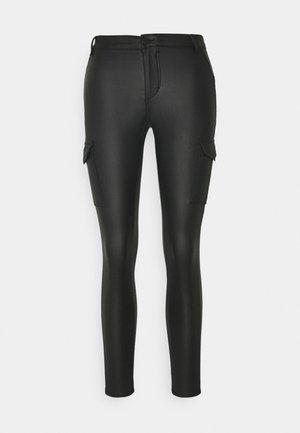 ONYROYAL COATED PANT - Pantalon cargo - black