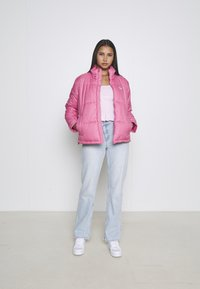 adidas Originals - FORUM LOW ORIGINALS SNEAKERS SHOES - Trainers - footwear white/clear pink/halo mint - 3