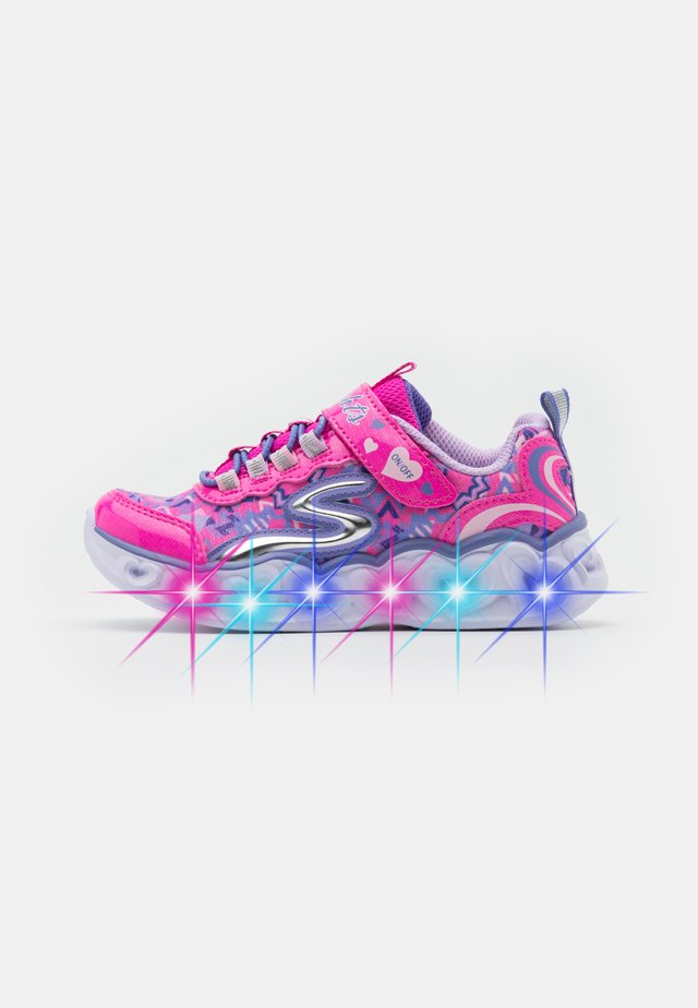 HEART LIGHTS - Joggesko - neon pink