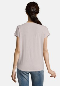 Betty & Co - Basic T-shirt - pink - 3