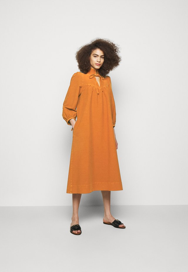 Korte jurk - vivid brown