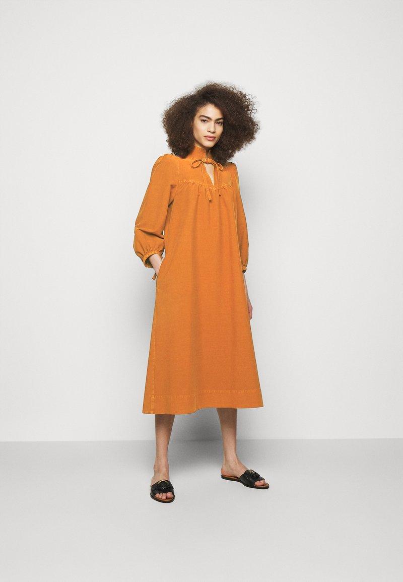 See by Chloé - Vapaa-ajan mekko - vivid brown