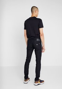 Emporio Armani - Džíny Slim Fit - blue denim - 2