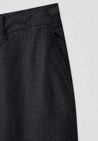 PULL&BEAR - Chino kalhoty - black - 2