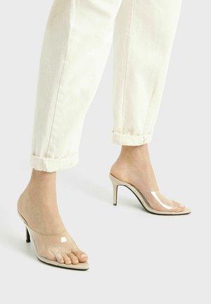 Sandály na vysokém podpatku - transparent