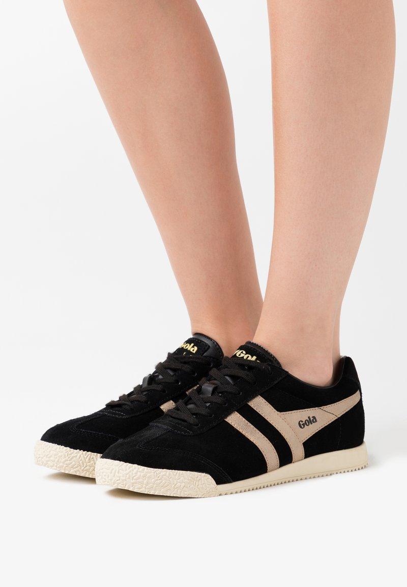 Gola - HARRIER MIRROR - Sneakersy niskie - black/gold