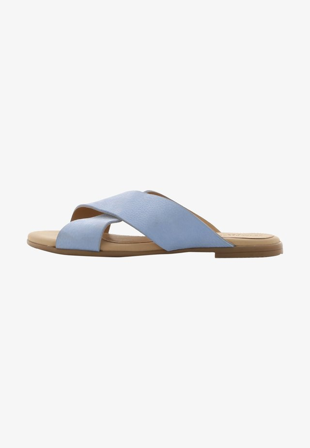 ALLURE NUBUCK CROSS SANDAL - Pantolette flach - light blue