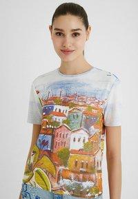 Desigual - Print T-shirt - white - 0