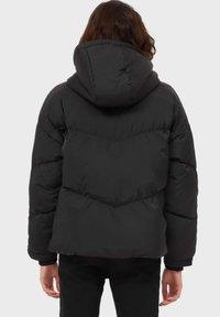 Stradivarius - OVERSIZE - Winter jacket - black - 2