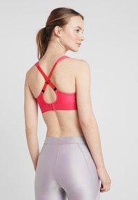 triaction by Triumph - EXTREME LITE - Sportovní podprsenky se silnou oporou - pink lemonade - 3