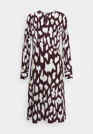 CRISTY DRESS - Day dress - wine