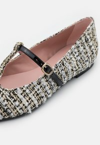 Pretty Ballerinas - SHADE - Ankle strap ballet pumps - anthracite - 6