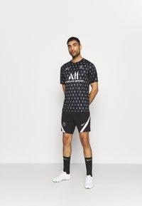 Nike Performance - PARIS ST GERMAIN SHORT AWAY - Club wear - black/arctic punch - 1
