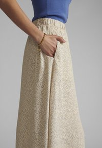 Nümph - NUCOURTNEY SKIRT - Pleated skirt - brazillian sand - 3