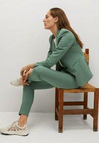 Mango - BOREAL - Chino kalhoty - groen - 5
