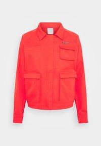 Nike Sportswear - Lett jakke - light crimson - 5