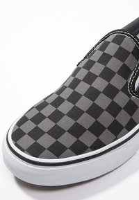 Vans - CLASSIC SLIP-ON - Mocassins - black/pewter - 5