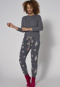 Triumph - MIX AND MATCH - Pyjama top - pebble grey - 1