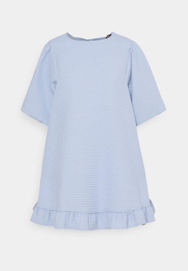 PCLEDA DRESS - Sukienka letnia - kentucky blue