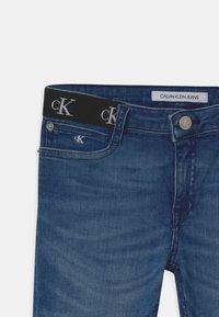 Calvin Klein Jeans - SKINNY INFINITE - Jeans Skinny Fit - blue - 2