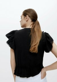 Uterqüe - Blouse - black - 2