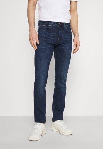 CORE BLEECKER - Slim fit jeans - bridger indigo
