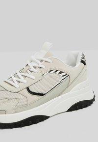 Bershka - Sneakers laag - multi-coloured - 6