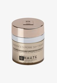Haute Custom Beauty - RADIANCE SUPERBE SUPREME DAY CREAM 50ML - Tinted moisturiser - porcelain nude - 0