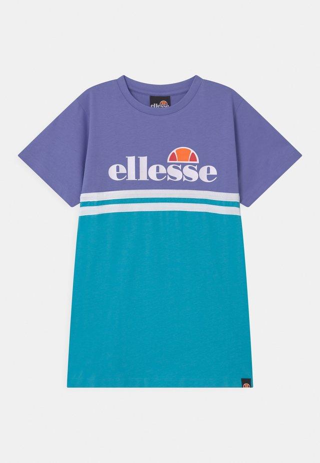 COCOMERO OVERSIZED - Print T-shirt - purple