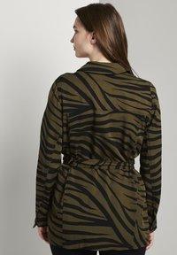 mine to five TOM TAILOR - Zebra-Muster - Summer jacket - olive zebra design - 2