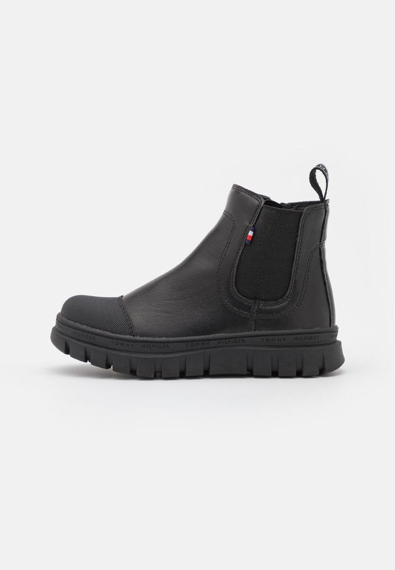 Tommy Hilfiger - UNISEX - Kotníkové boty - black