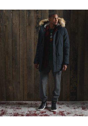 Superdry EVEREST - Kurtka zimowa - khaki Odzież Męska RYXT