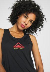 Nike Performance - CITY SLEEK TANK TRAIL - Sportshirt - black/laser crimson/speed yellow - 3