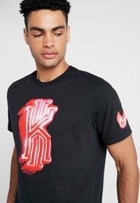 Nike Performance - KYRIE IRVING DRY TEE LOGO - Print T-shirt - black - 3