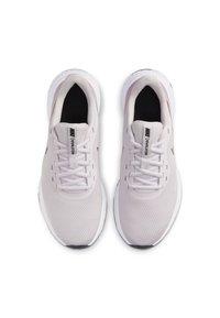 Nike Performance - REVOLUTION 5 - Neutral running shoes - light violet - 1