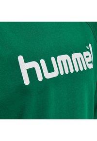 Hummel - GO LOGO - Sweatshirt - evergreen - 0