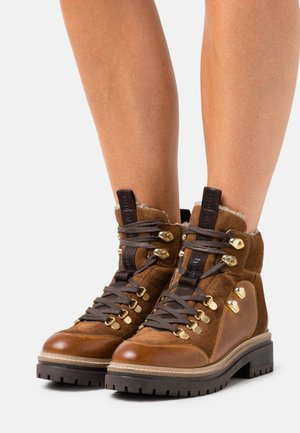 HIPSTER  - Lace-up ankle boots - cognac