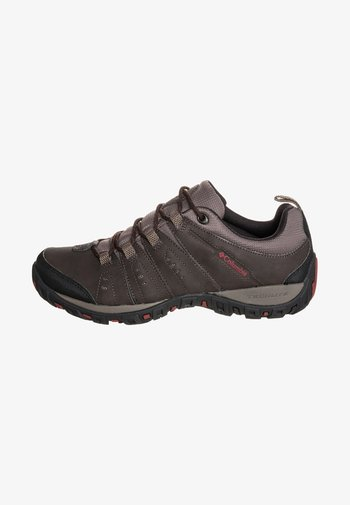 WOODBURN II - Chaussures de marche - dark brown