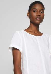 Marc O'Polo PURE - SHORT SLEEVE LOOSE FIT HYBRID STYLE - Blouse - clear white - 3