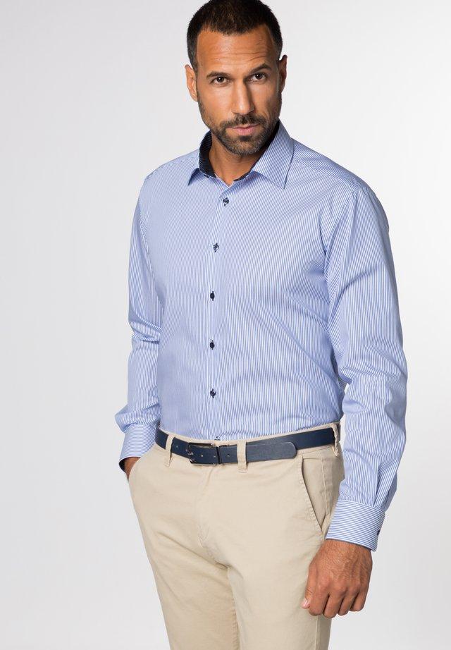 MODERN FIT - Business skjorter - blue