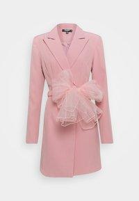 Missguided Tall - TALL MESH BOW WAIST BLAZER DRESS - Skjortekjole - blush - 0